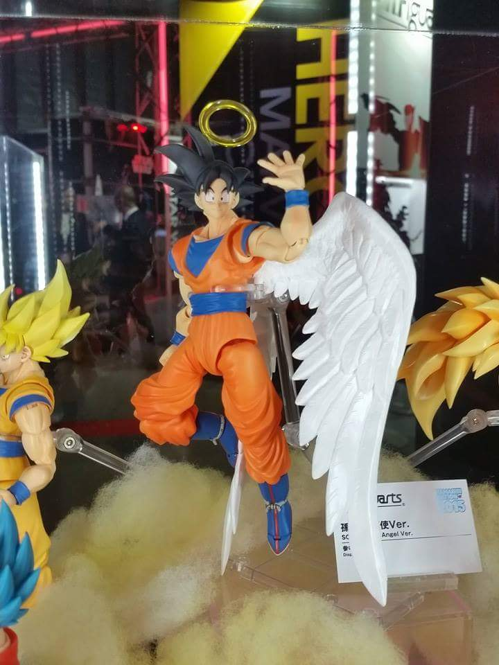 SH Figuarts Angel Goku at Tamashii Nation 2015