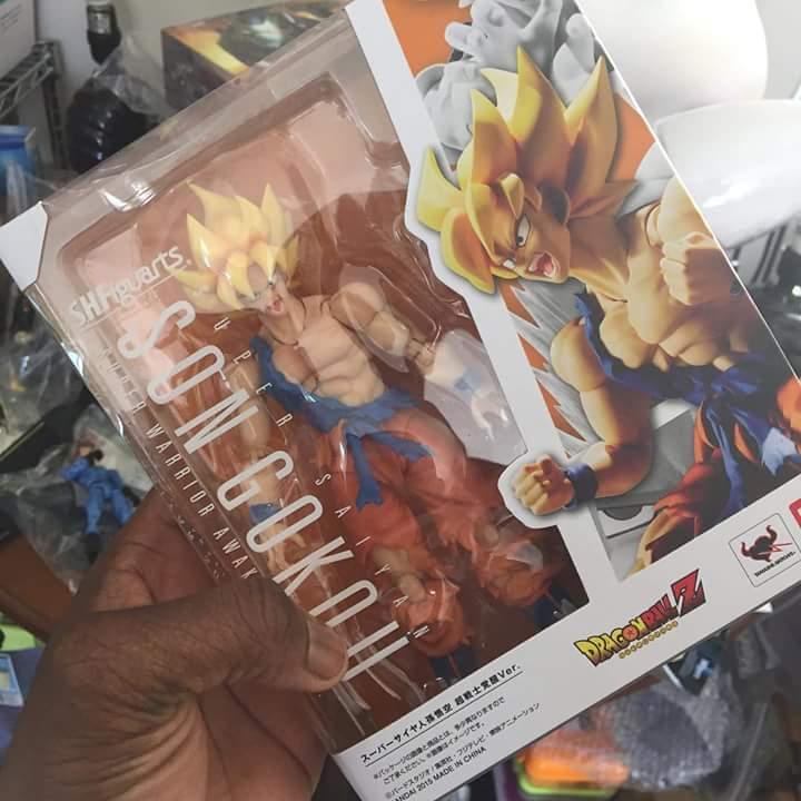 SH Figuarts Super Warrior Awakening Goku